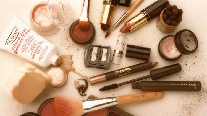 7 вещей в вашей косметичке, которые незаметно вредят красоте и портят кожу