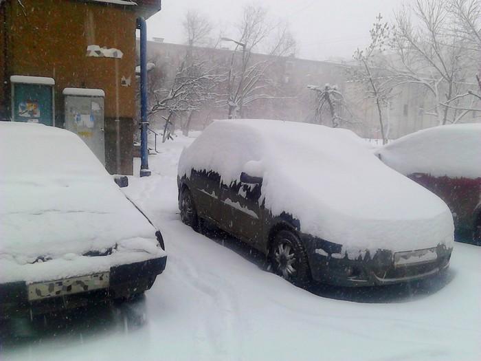 Снег: детям радость, а взрослым – морока.