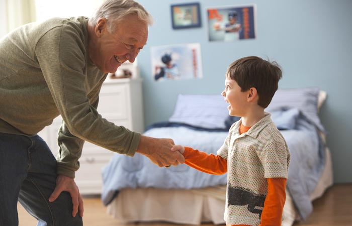 10 «старомодных» манер, которые современные родители так часто упускают.