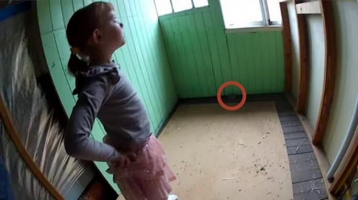 Что это за комната и что там в углу?