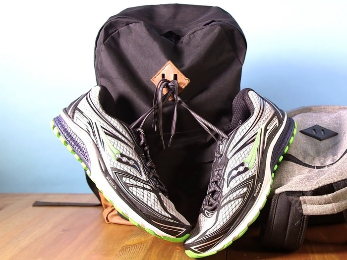 На «пятачок» можно даже кроссовки повесить