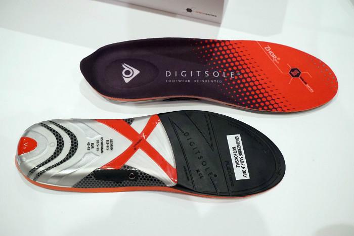 Держи ноги в тепле: «умные» стельки с подогревом превратят любую обувь в зимнюю   Digitsole-heating-soles-novate-2