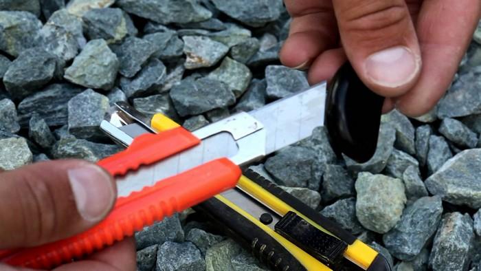 Как «заточить» канцелярский нож.