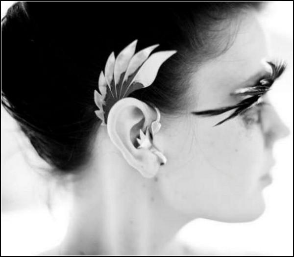 Уши эльфа: пернатые ушные манжеты