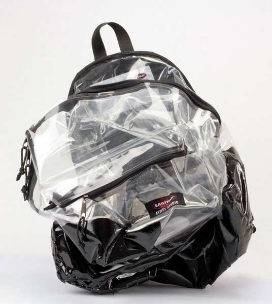 Дизайнерские рюкзаки с благородным предназначением от Eastpak