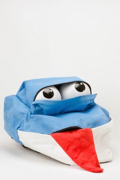 Дизайнерские рюкзаки с благородным предназначением от Eastpak.