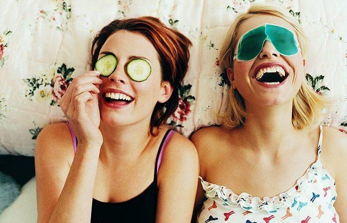 Дерматологи раскрывают причину, почему крем под  глаза вам совсем не нужен.