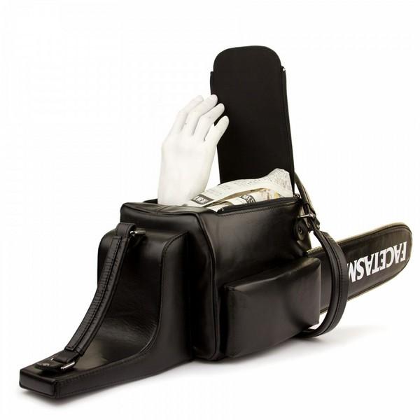 «Кровожадные» сумки от FACETASM