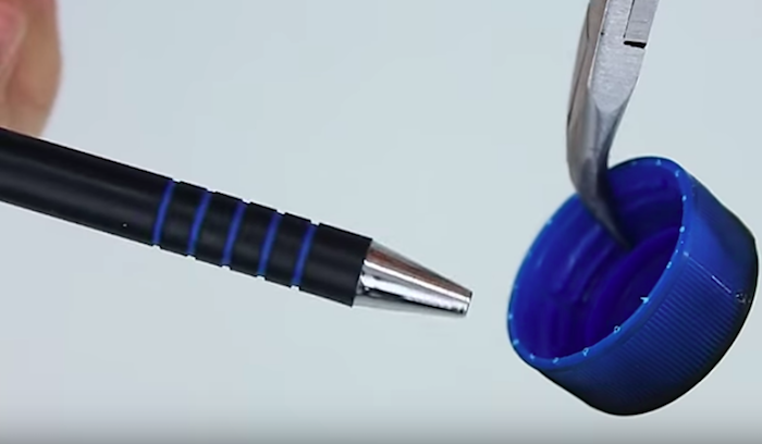 Вставляйте карандаш…