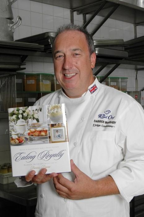 Бывший королевский повар, автор книги «Есть по-королевски», Даррен МакГради