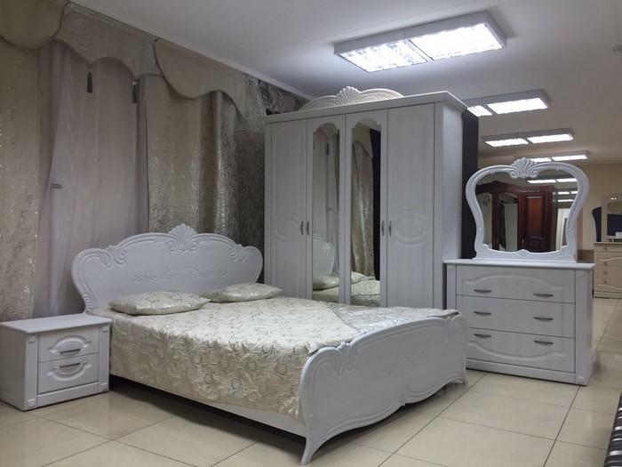 Спальный гарнитур - мебель из прошлого, которой не место в современной квартире.