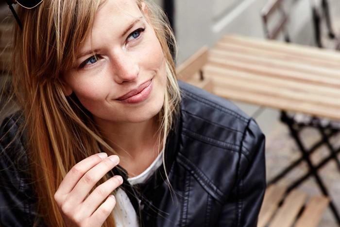 8 лайфхаков для девушек с «жирными» волосами