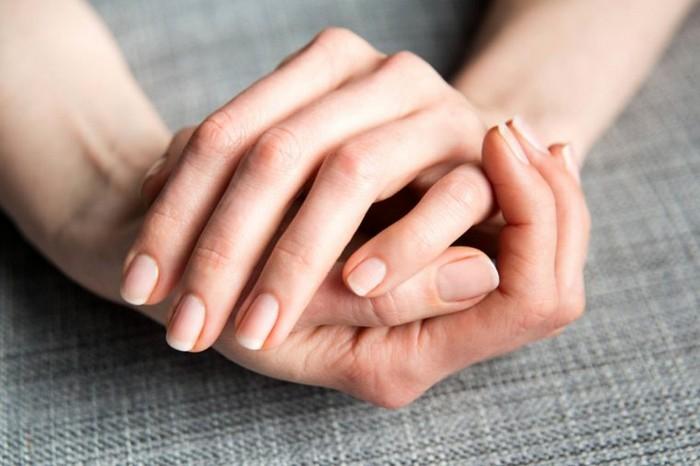 Лучше свои крепкие ногти, чем искусственные.
