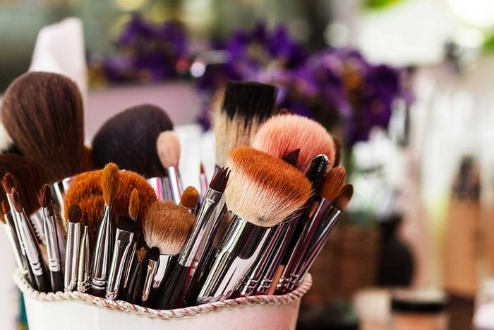 17 крутых и полезных применений кондиционера для волос