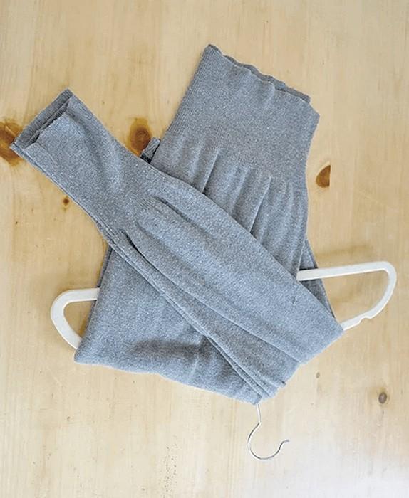 Складываем и храним свитер правильно: Шаг 4