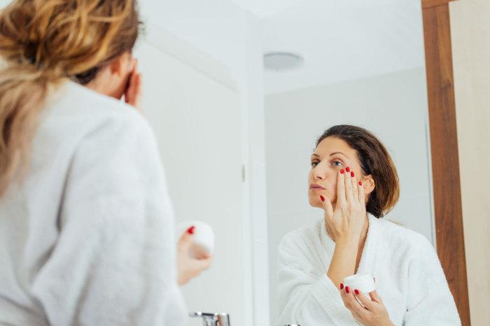 7 hábitos de la mañana de las personas con buena piel
