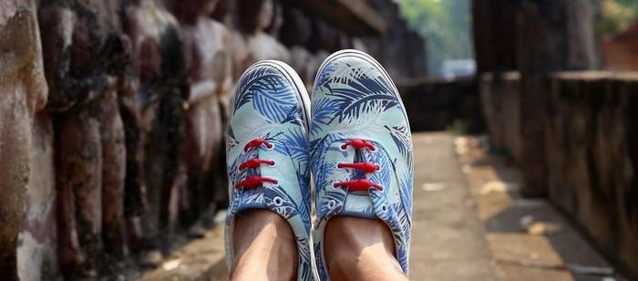 Пластиковые шнурки Hickies сочетаются с любой обувью