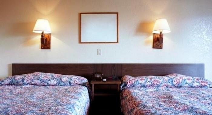 «Белоснежный» стандарт  для отелей ввели только в 90-ых.