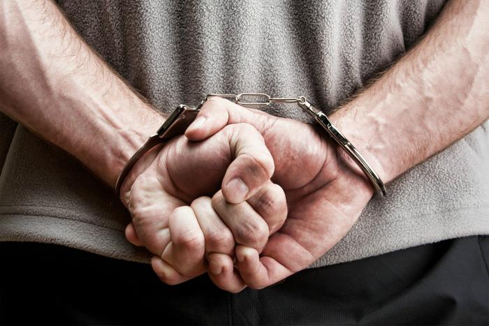 Способы избавиться от наручников без ключа