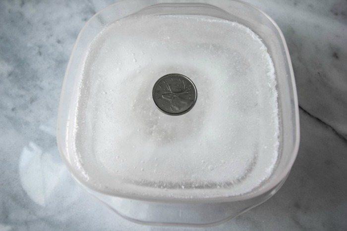 Монета в морозилке - проверенный способ.