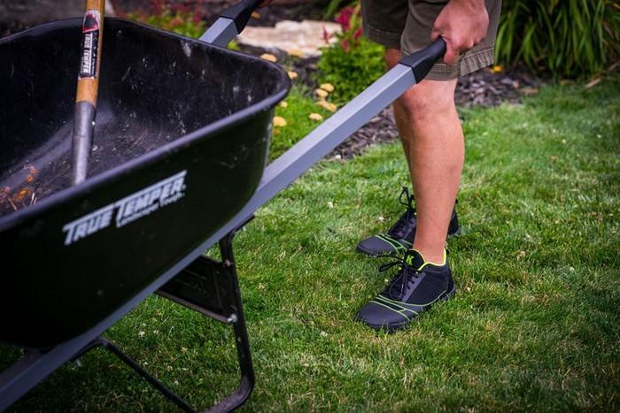 Kujo Yardwear – идеальные кроссовки для дачи и сада
