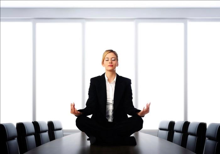 7 научно доказанных способов поднять себе настроение и взбодриться даже в сложный день