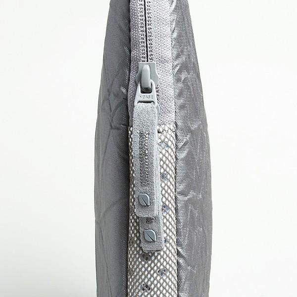 Дизайнерские протекторы «с морщинами» от Incase