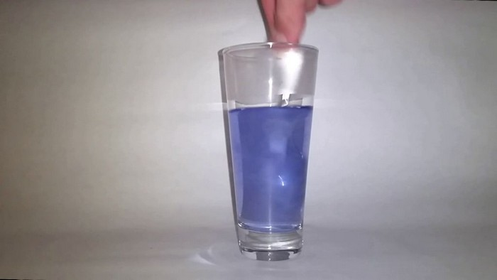 Как заставить чернила раствориться в воде и появиться вновь