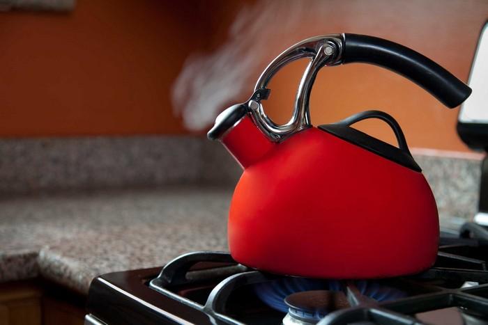 8 способов погладить вещи без утюга