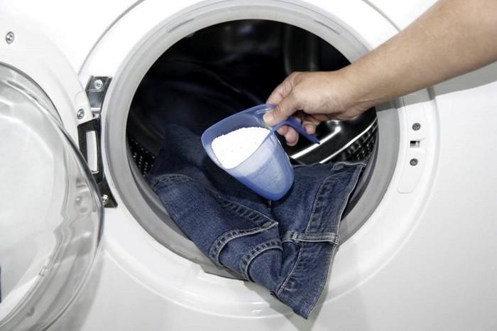 Порошок для цветного джинсам жизненно необходим.