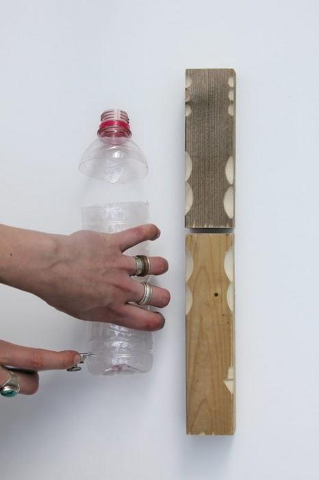 Как дизайнер чинит и собирает мебель с помощью пластиковых бутылок
