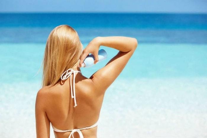 8 вещей, которые вы обязаны знать о солнцезащитных средствах, чтобы не сгореть на пляже и сохранить свою кожу здоровой