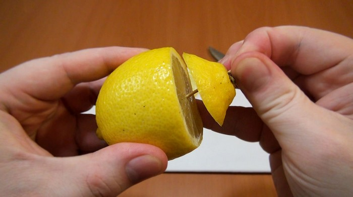 Как сохранить овощи и фрукты свежими надолго даже после нарезки