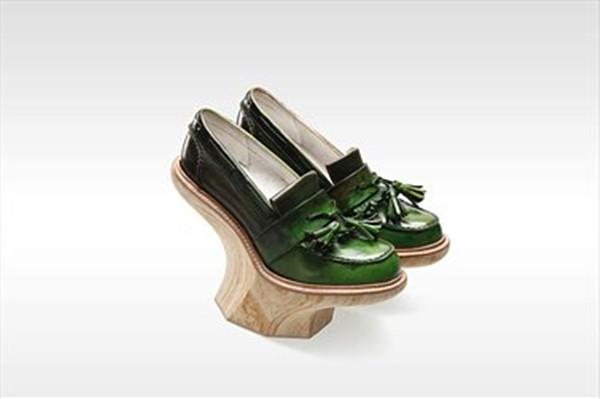 «Культурное столкновение» в коллекции обуви KIROIC