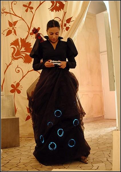 Платье KineticDress покажет, чему равна кинетическая энергия его хозяйки