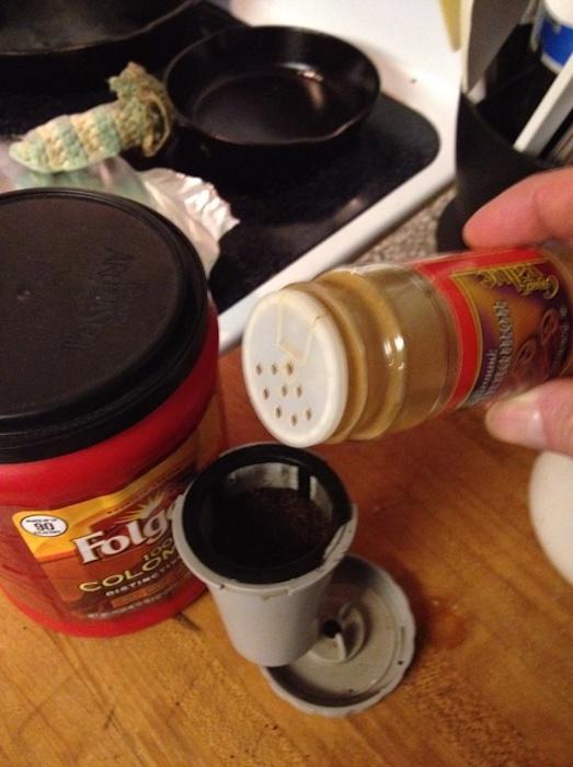 Корица обогатит вкус кофе.