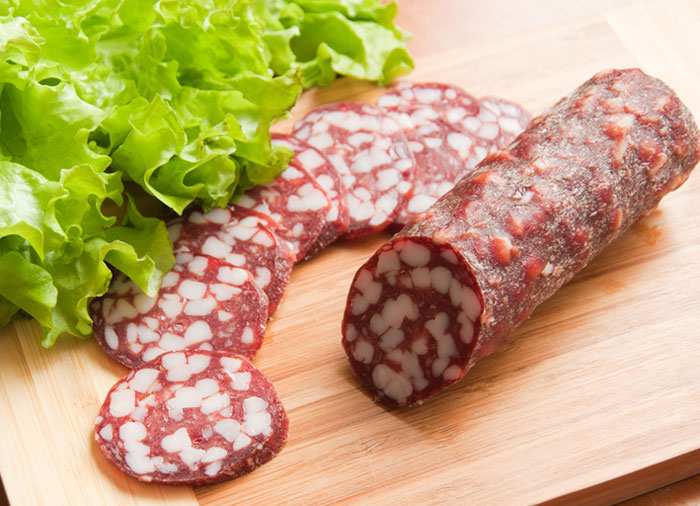 Стоит ли налегать на колбасу?