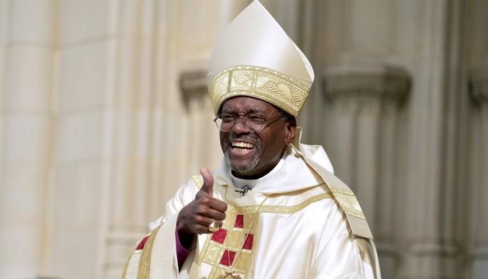 Епископ-суперзвезда Майкл Карри.