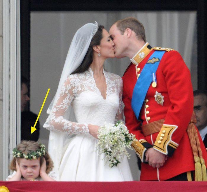 Этот поцелуй точно вошел в историю.
