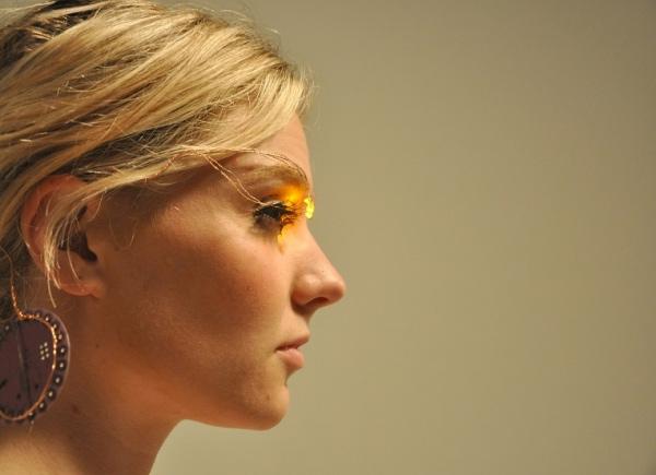 Необычный цифровой макияж век