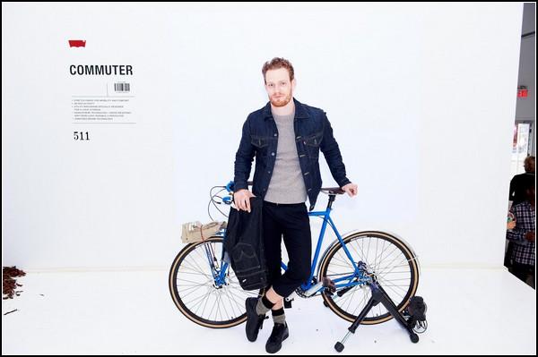 Коллекция джинсов Левис Commuter для велосипедистов