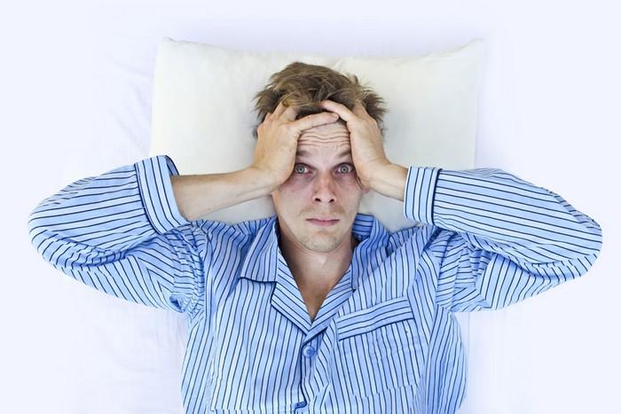 Стресс днём – причина плохого сна ночью.