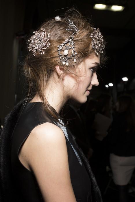 6 главных бьюти-трендов Недели моды в Лондоне: Alexander Mcqueen