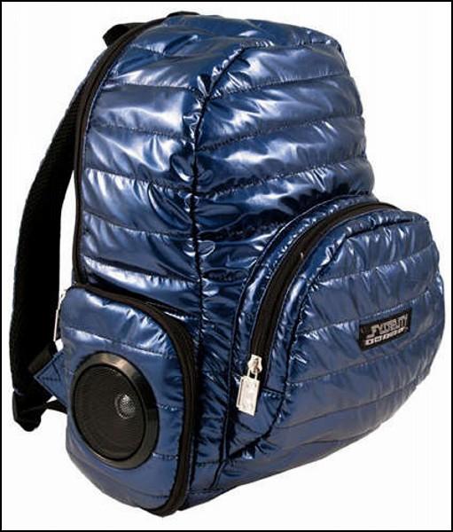 Обзор самых необычных рюкзаков: рюкзак с динамиками