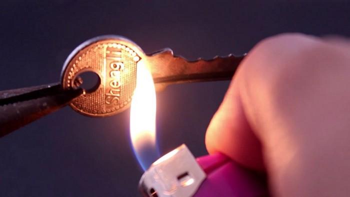 Зажигалка есть даже у некурящих.