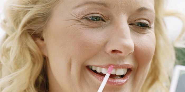 10 ошибок в макияже, которые противопоказаны дамам «за 40»