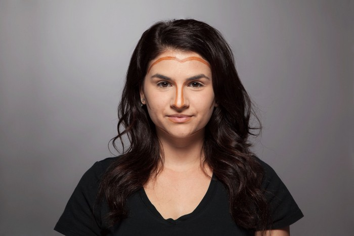 Как сделать лицо худее: инструкция от визажиста