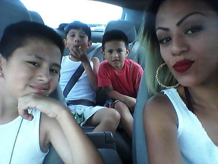 Иветт Васкез – одинокая мама троих сыновей.