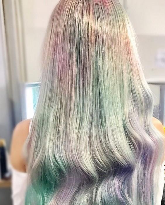 Вряд ли встретишь на улице девушку с точно таким же цветом волос.