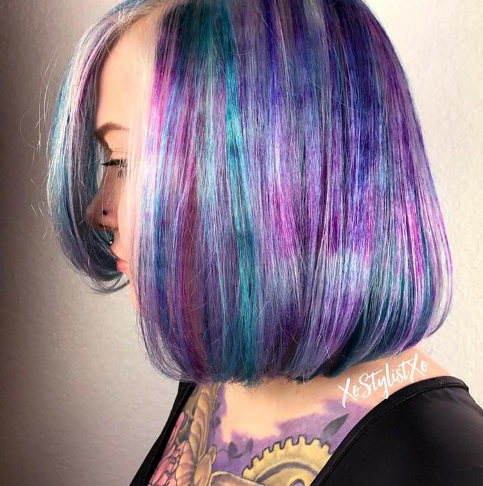 Цветной «мрамор» на волосах.
